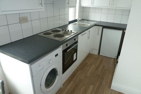 1 bedroom flat to rent - 87a Huntingtower Road