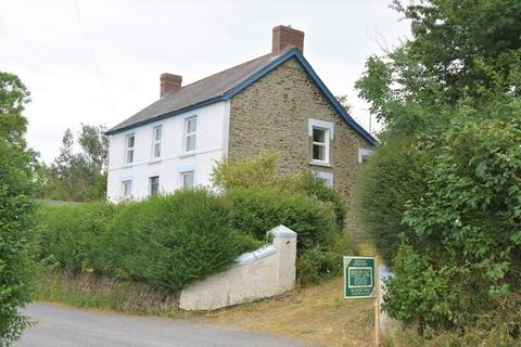 3 bedroom property with land for sale - Cludfan, Rhydlewis