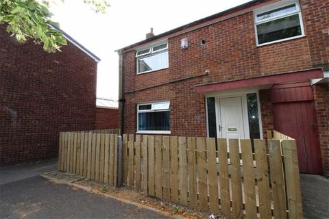 3 bedroom end of terrace house for sale - Clanthorpe, Hull