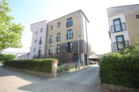 2 bedroom flat for sale - Chieftain Way, Cambridge