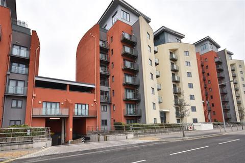 2 bedroom flat to rent - 75 South QuayKings RoadSwansea
