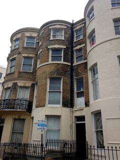 Studio to rent - St. George`s Place, Brighton