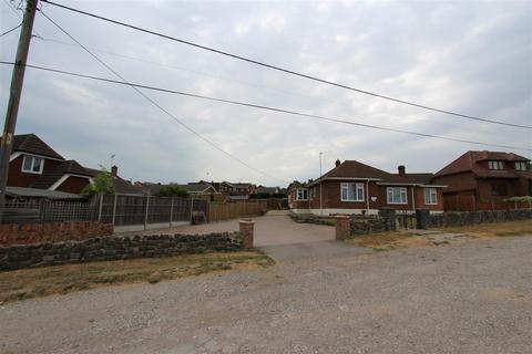 3 bedroom detached bungalow for sale - Waverley Avenue, Minster On Sea, Sheerness