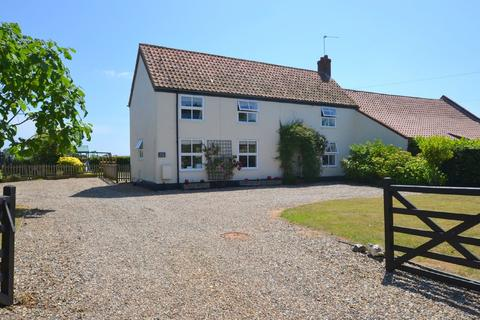 3 bedroom semi-detached house to rent - Church Rd, Potter Heigham