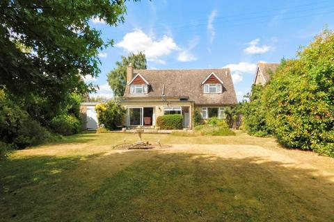 3 bedroom detached house for sale - St. Margarets Road, Alderton