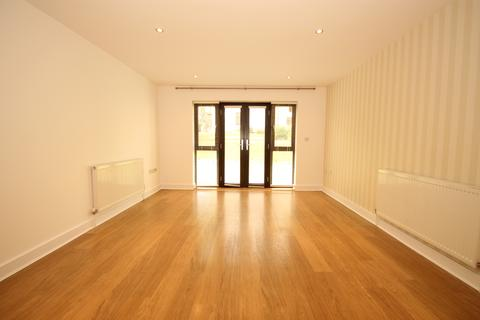 2 bedroom apartment to rent - South Woodford E18
