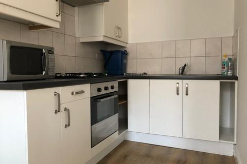 3 bedroom flat to rent - Kenninghall Road E5