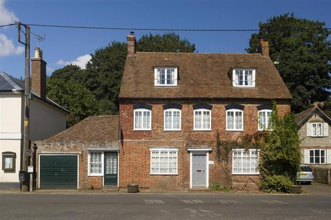 4 bedroom detached house for sale - Lyon House, The Street, Petham