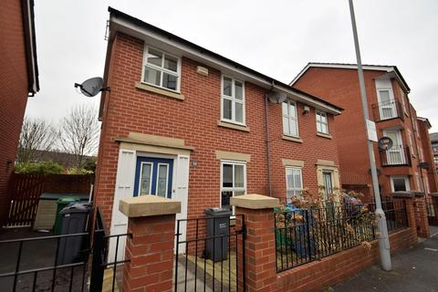 2 bedroom terraced house to rent - Boston Street, Manchester, M15 5AY