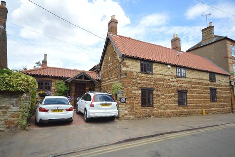4 bedroom cottage for sale - High Street, Ringstead