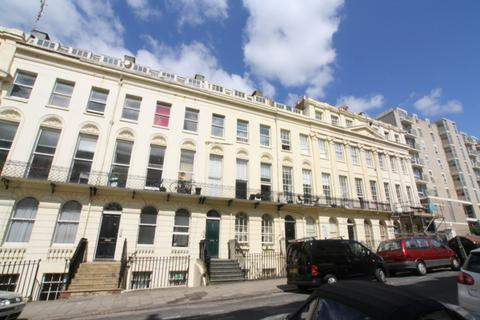 2 bedroom flat to rent - Oriental Place, Brighton
