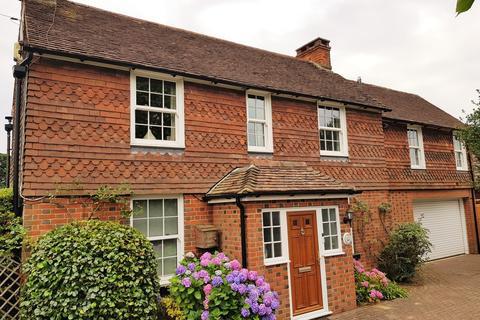 4 bedroom detached house for sale - Leeds Road, Langley