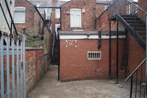 3 bedroom flat to rent - Wilmslow Road, Rusholme, M14