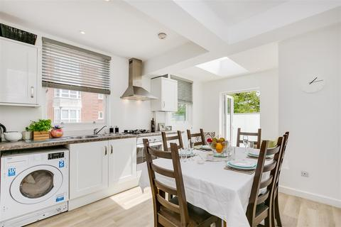 2 bedroom flat for sale - Upper Richmond Road, Putney