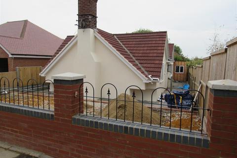 3 bedroom detached bungalow for sale - Douglas Road, Herne Bay