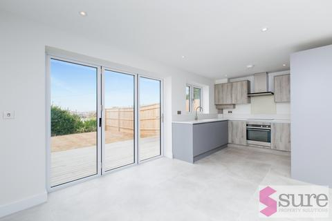 4 bedroom semi-detached house to rent - Chailey Avenue, Rottingdean