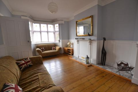 5 bedroom detached house to rent - Caister Road, Great Yarmouth