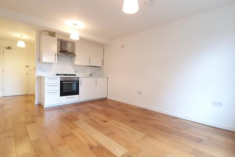 Studio to rent - Lordship Lane, East Dulwich, London, SE22