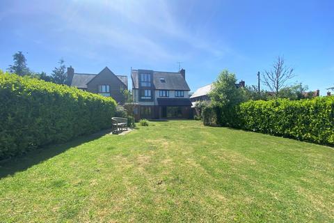 5 bedroom detached house to rent - Trinity Hill, Medstead