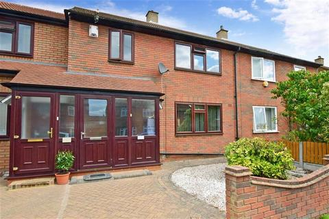 3 bedroom terraced house for sale - Hart Crescent, Chigwell, Essex