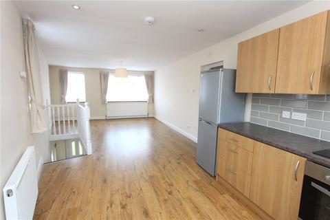 3 bedroom flat to rent - Hedge Lane, Palmers Green, London, N13