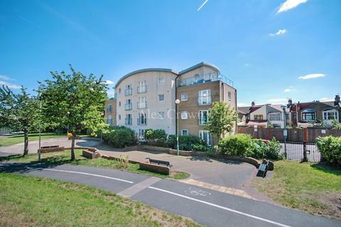 1 bedroom apartment for sale - Chamberlain Close, Ilford