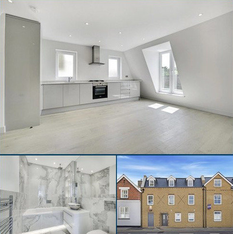 2 bedroom penthouse for sale - Walton Road, East Molesey, Surrey, KT8