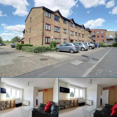 1 bedroom flat for sale - Vignoles Road, Romford