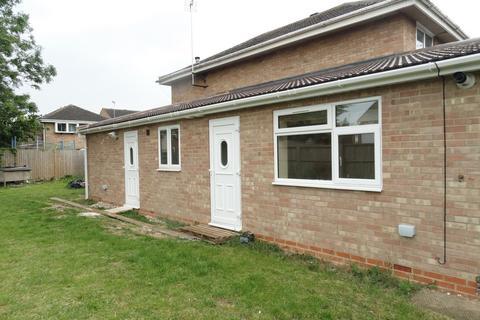 Studio to rent - Lintlaw Place, West Bletchley, Milton Keynes, MK3
