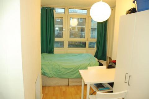 4 bedroom flat to rent - Globe Road, Globe Road, Stepney Green, E1
