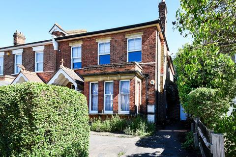 3 bedroom apartment to rent - Northwood, Greater London, HA6