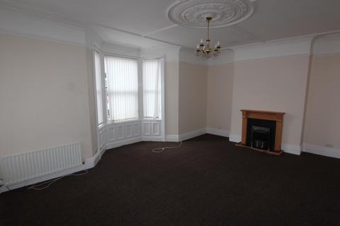 4 bedroom maisonette to rent - Laburnum Avenue, Whitley Bay.  NE26 2HX.  **LARGE MAISONETTE**