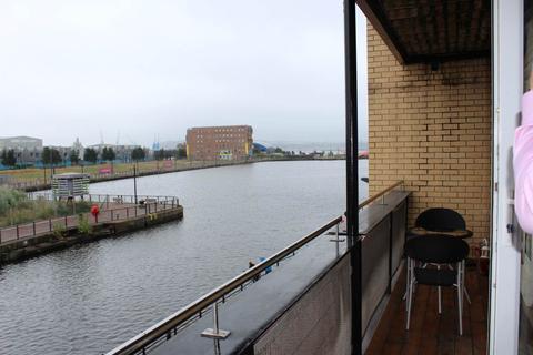 2 bedroom flat to rent - Adventurers Quay, Cardiff Bay,