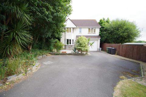 4 bedroom detached house for sale - Velator Close, Braunton