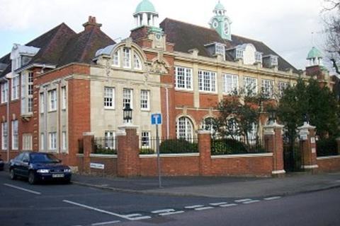 2 bedroom flat to rent - Corrib Court, Palmers Green