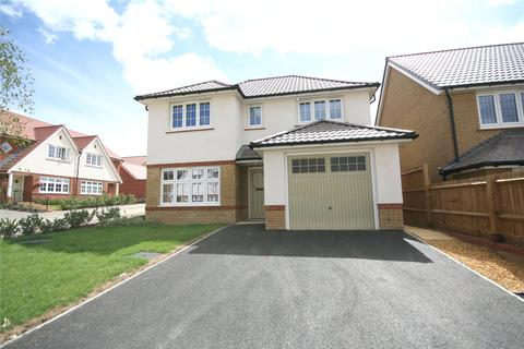 4 bedroom detached house to rent - Honeysuckle Avenue, Cheltenham, Gloucestershire, GL53