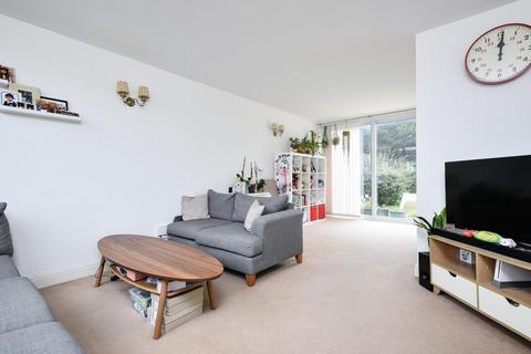 2 bedroom terraced house for sale - Pegley Gardens, Grove Park
