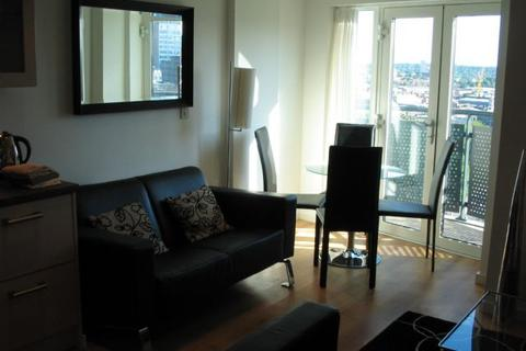 2 bedroom apartment to rent - 10TH FLOOR MASSHOUSE 2 DOUBLE BEDROOMS WITH BALCONY & PARKING - BOOK NOW FOR 28 AUGUST