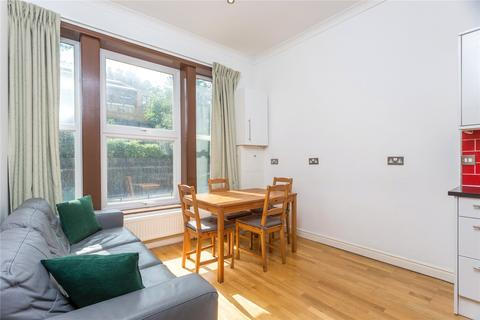 3 bedroom flat to rent - Archway Road, London