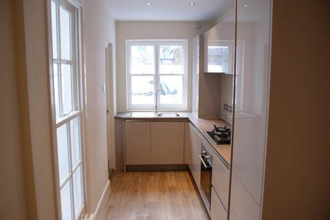 2 bedroom flat to rent - Buckingham Place, ,