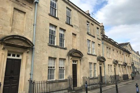 3 bedroom terraced house to rent - Beauford Square, Bath, Somerset, BA1