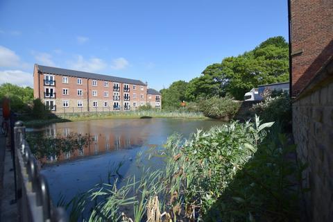 2 bedroom apartment for sale - Winker Green Lodge, Eyres Mills Side