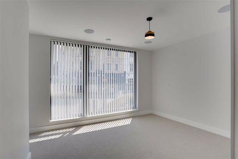 2 bedroom flat for sale - ROYAL SPRINGS, Tunbridge Wells, Kent