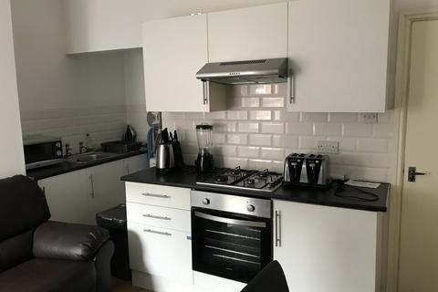 4 bedroom terraced house to rent - Romney Street, Salford - 3516