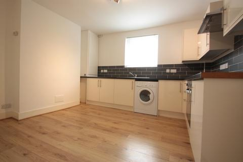 2 bedroom maisonette to rent - Dover Street, Maidstone, Kent, ME16