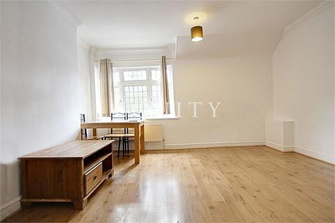 3 bedroom apartment to rent - Percival Road, Enfield, EN1