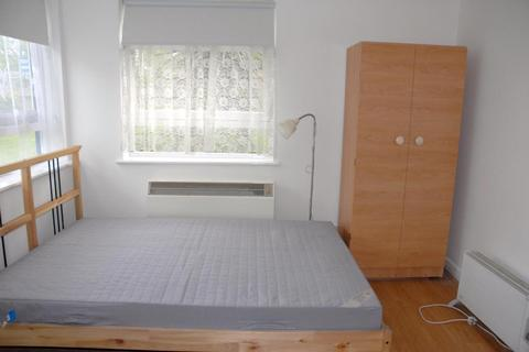 Studio to rent - Park House, Seven Sisters Road, London N4