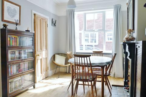 3 bedroom terraced house for sale - River Street, York