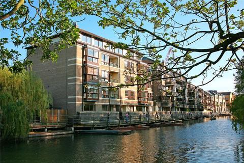 3 bedroom apartment for sale - Beaufort Place, Beaufort Place, Thompsons Lane, Cambridge, CB5