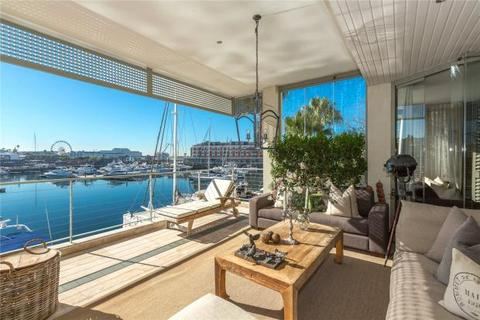 3 bedroom penthouse  - 101 Pinmore, V&A Waterfront, Cape Town, Western Cape